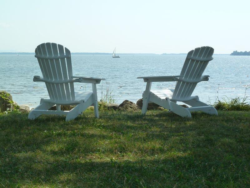 Terrain directement au bord du Lac Champlain