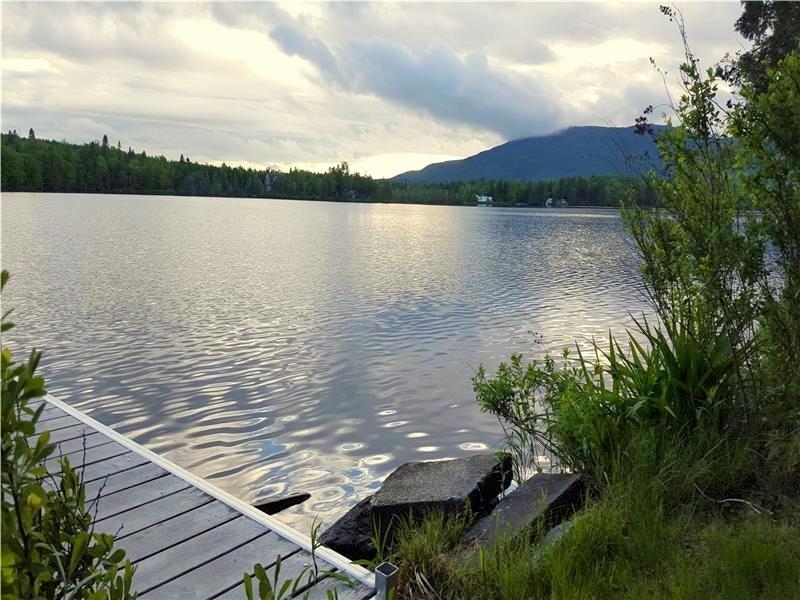 Accès au lac avec quai
