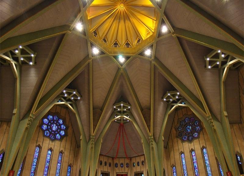 Sanctuaire Notre-Dame-Du-Cap : Tango7174